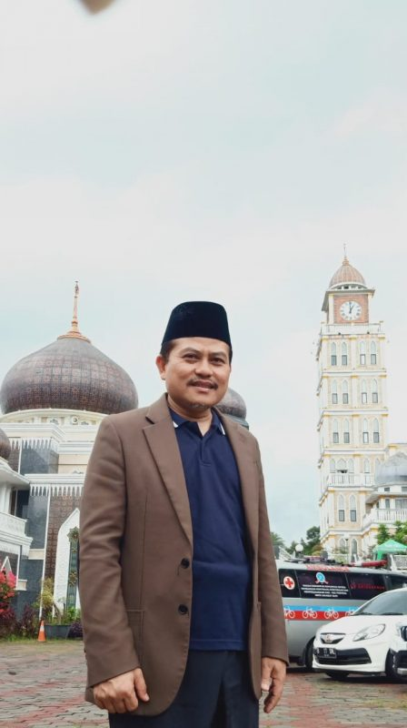 (KH. Khariri Makmun, Pengasuh Pesantren ALGEBRA IIBS & Wakil Sekretaris Komisi Dakwah MUI Pusat)